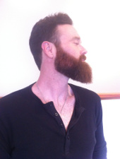 Waves 'N Shaves Sharp Beard Contouring
